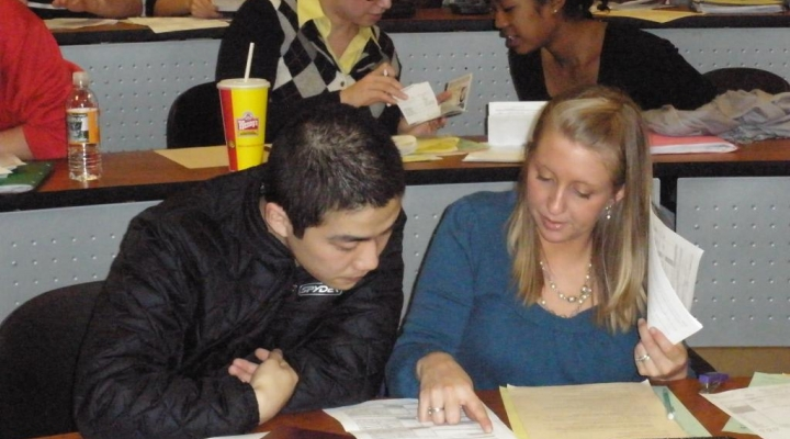 Accounting students participate in VITA tax clinic